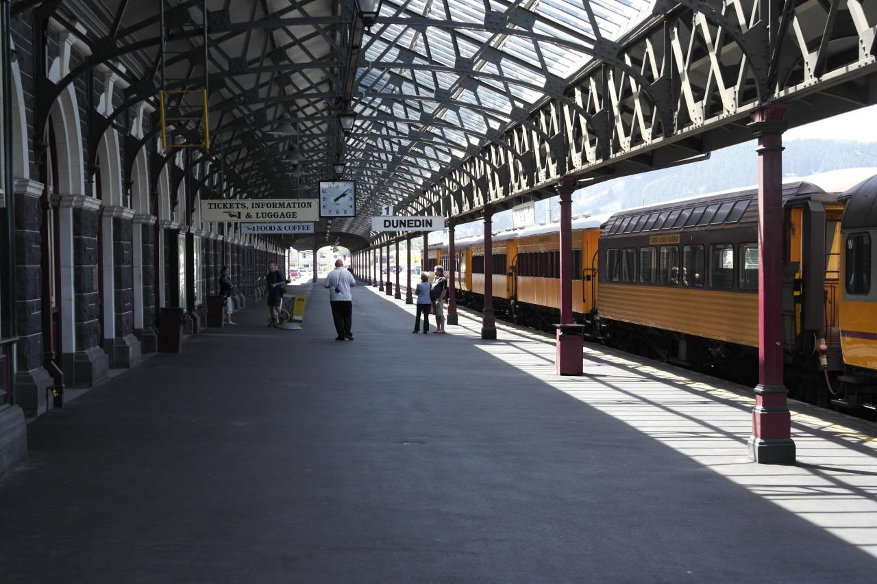 008 Otago Dunedin Station Platform