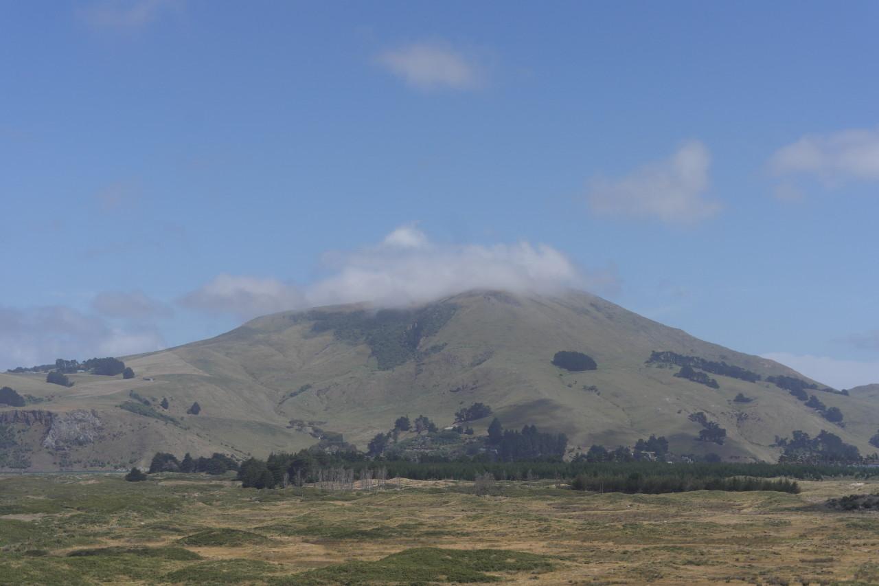 Ein Berg, an dem sich den ganzen Nachmittag Wolken gestaut haben, obwohl er nur ca. 250m hoch ist!