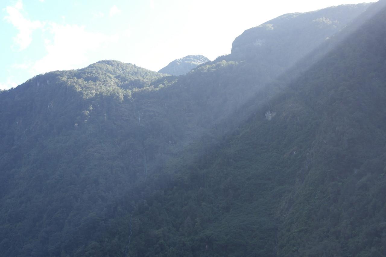 Ein krass hoher und dünner Wasserfall!