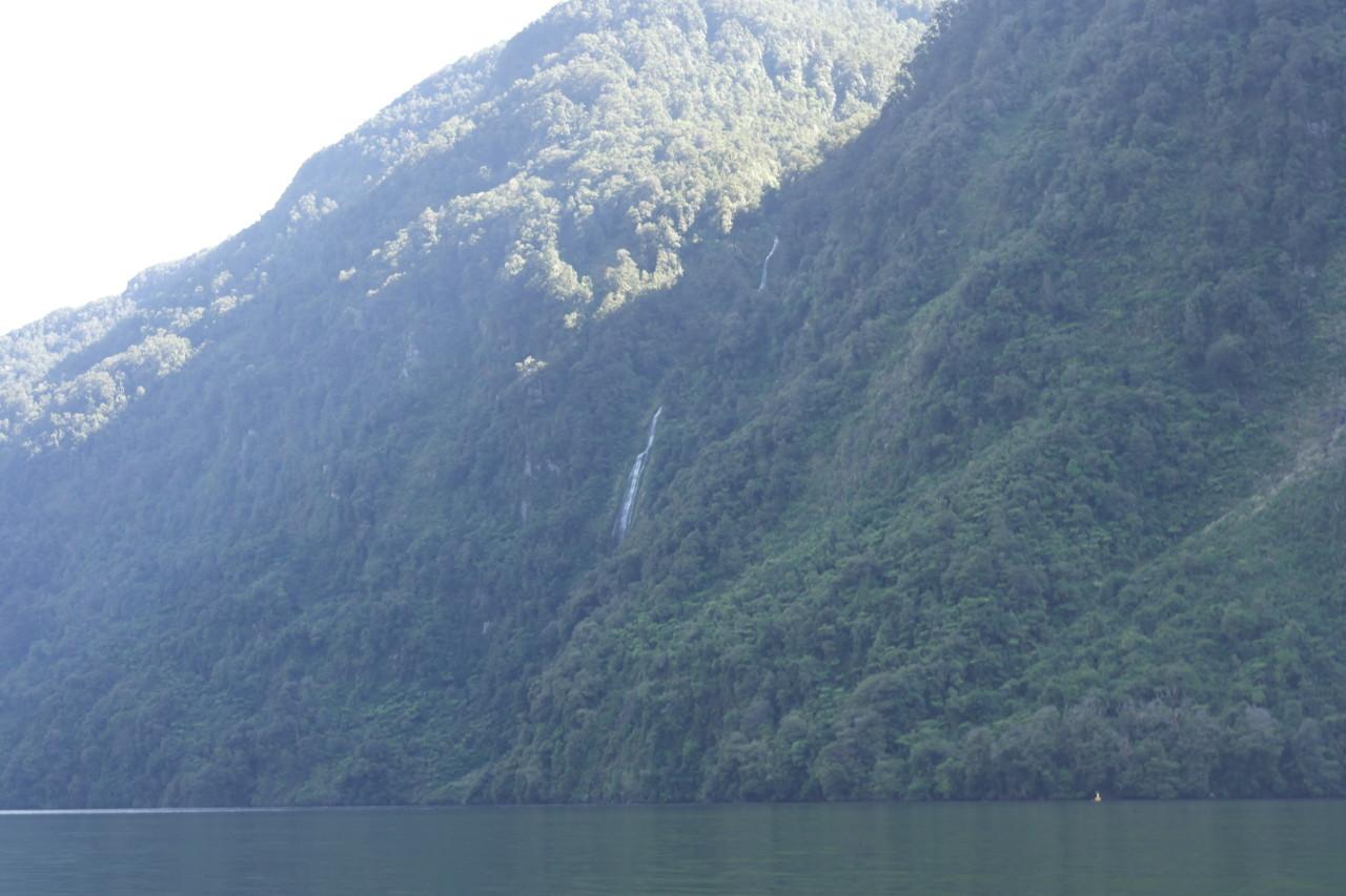 Wasserfälle gab es überall.