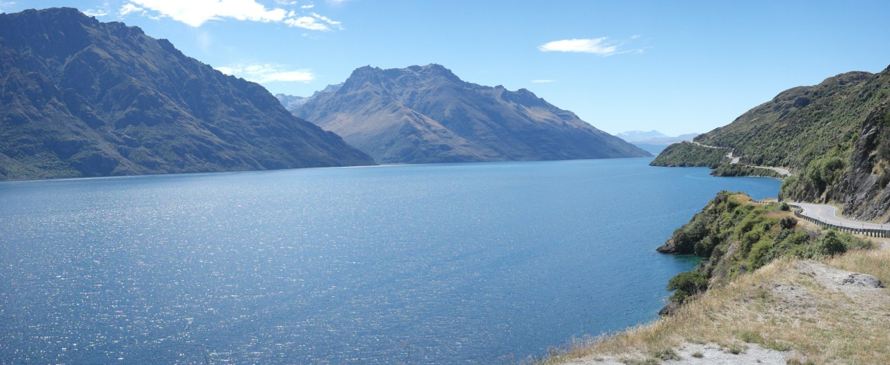 014 Queenstown Lake Wakatipu Bendy Road Pano