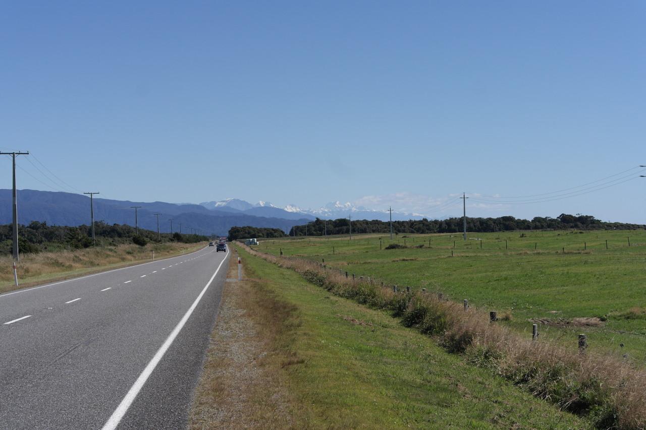 Das Mount-Cook-Massiv kurz vor Hokitika. Selbst an einem klaren Tag ist es ziemlich unwahrscheinlich, ihn zu sehen :)