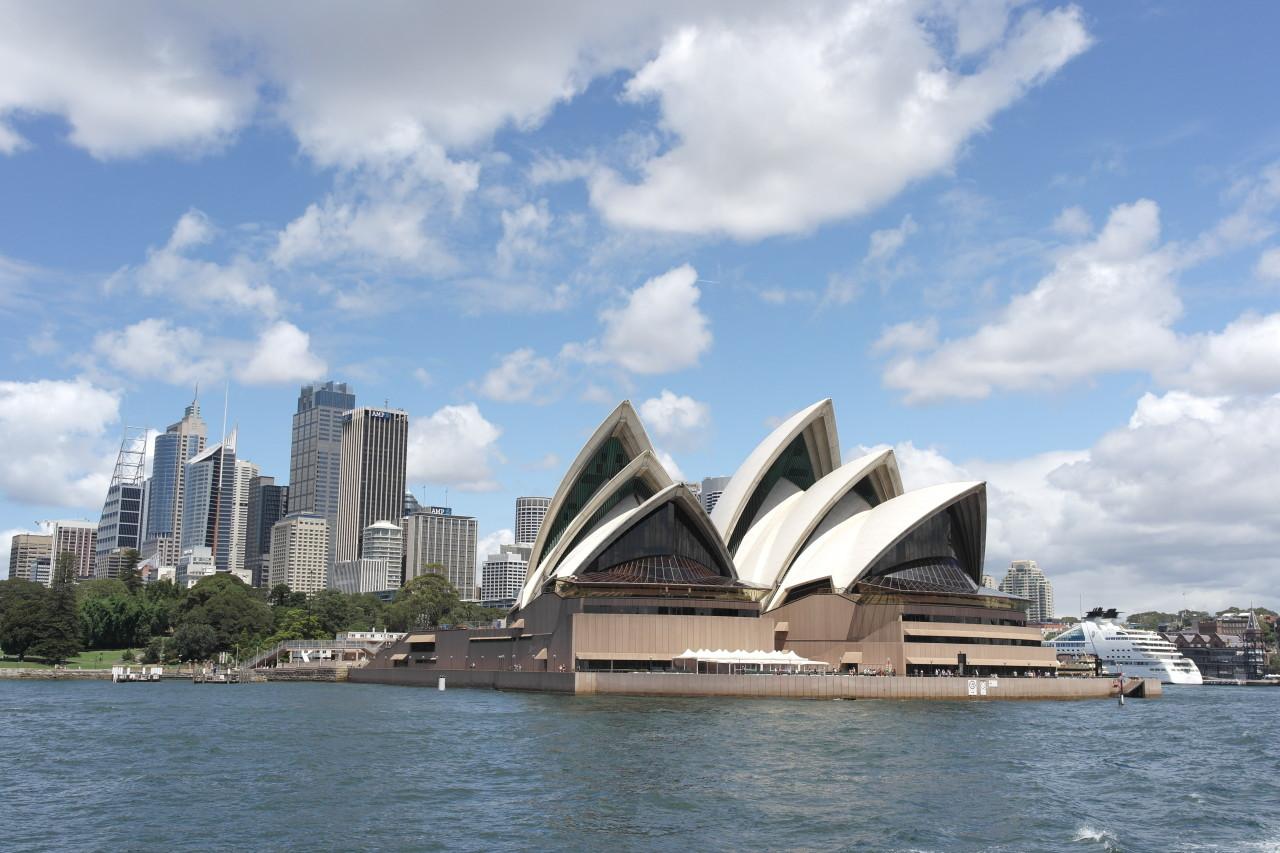 025 Sydney Opera House, City, Sun