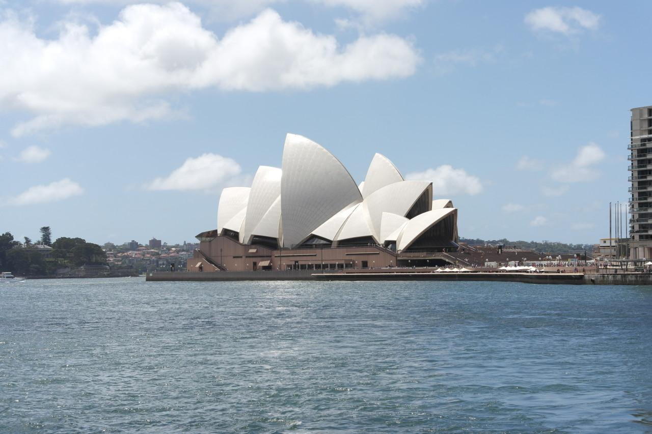 025 Sydney Opera House Sunny